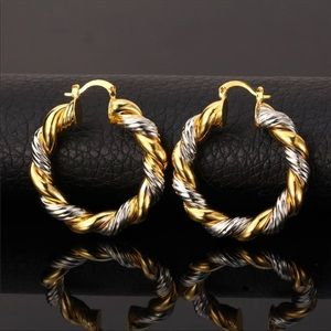 Jewelry - New 18K gold mix color earrings